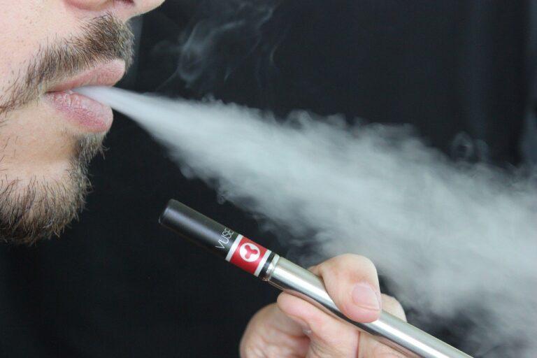 Palenie e-papierosów – fakty i mity