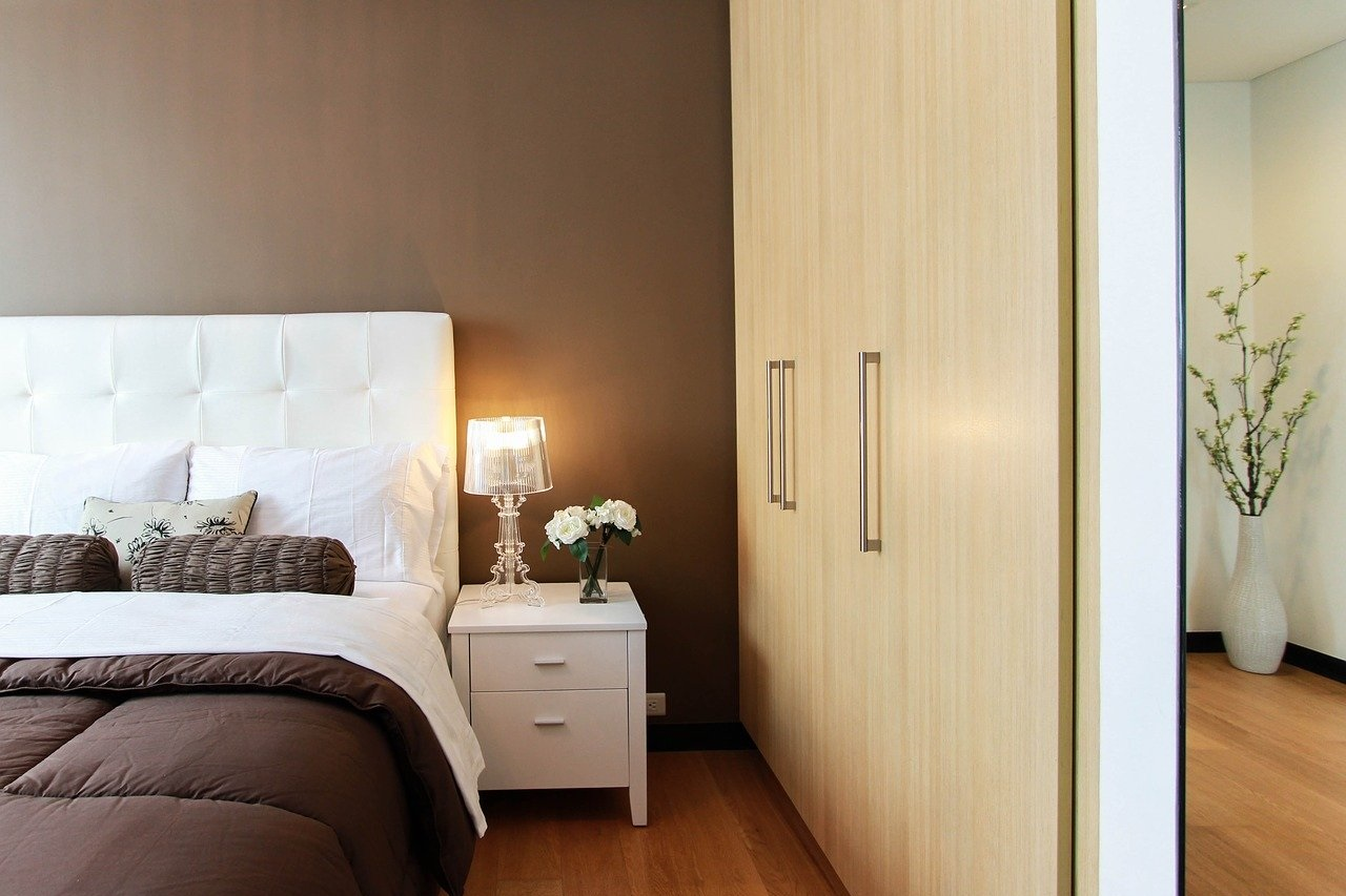 Prawidłowe ustawienie łóżka w sypialni
